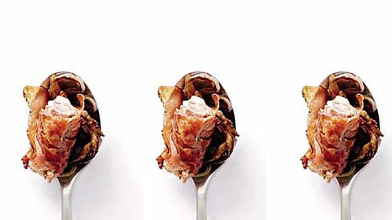 Pancettahapjes met gekarameliseerde sjalotjes