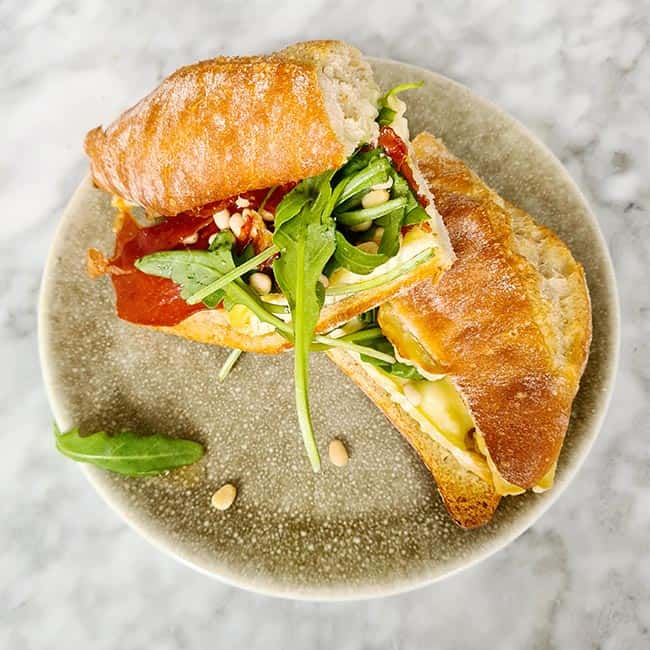 Broodje brie serranoham recept