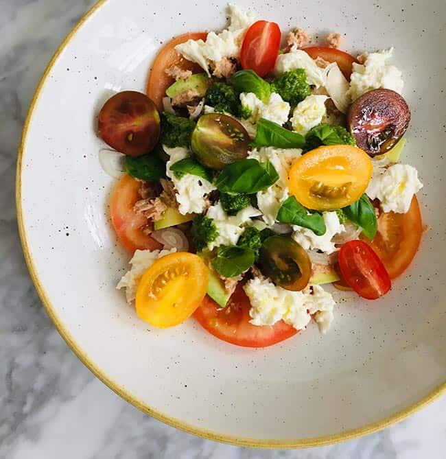 Salade met tonijn en avocado simpel recept