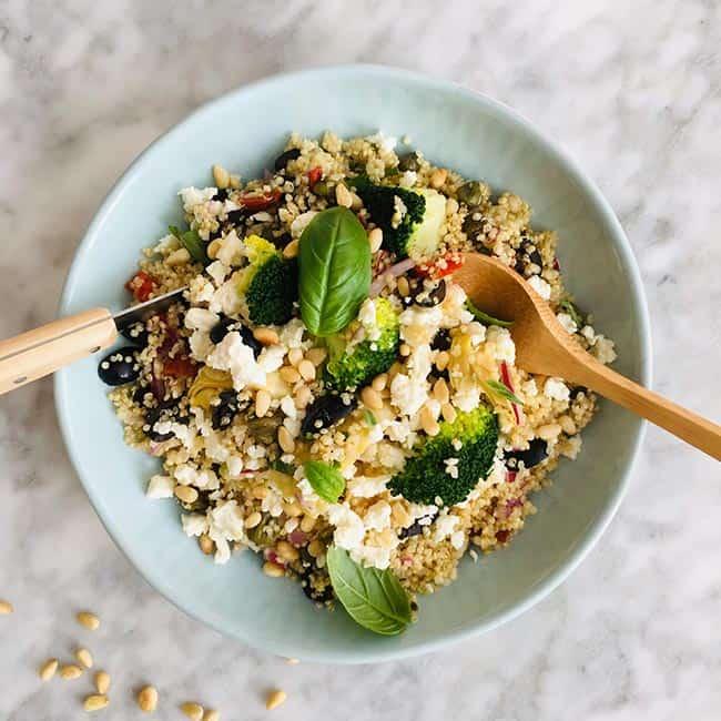 Quinoa salade broccoli en feta simpel recept