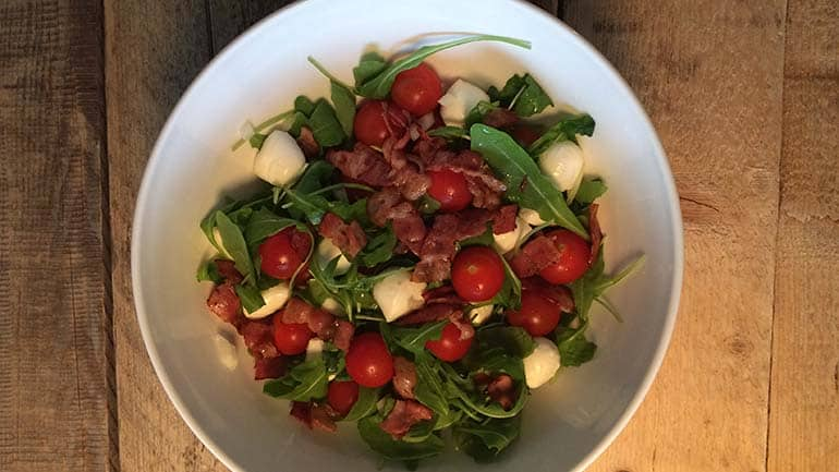 Italiaanse salade een frisse salade met een bite
