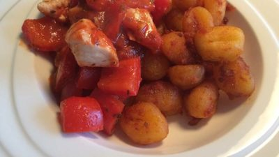 Gnocchi met paprika-tomatensaus