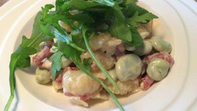 Gnocchi met tuinbonen en crème fraîche