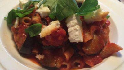 Pittige pasta met aubergine
