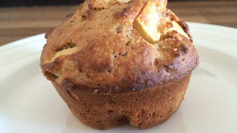 Havermoutmuffins met appel en amandelen