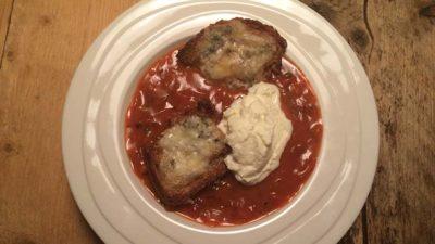 Tomatensoep met gorgonzolabroodjes