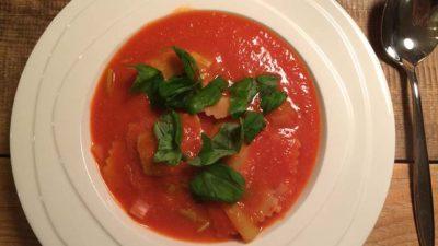 Tomatensoep met ravioli