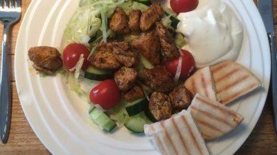 Griekse kip met yoghurtsaus