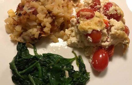 Tomaten-kaas ovengerecht met spinazie en rosti