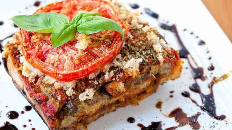 Aubergine lasagne met noten