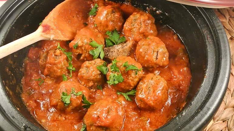 Köfte in tomatensaus Turkse gehaktballetjes