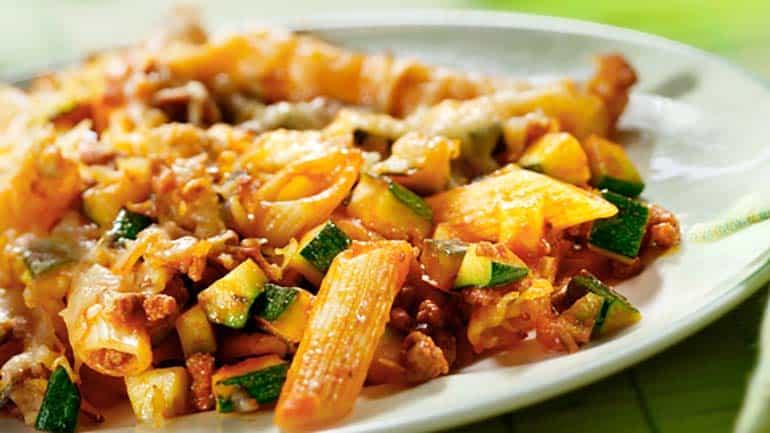 pasta met courgette en gehakt