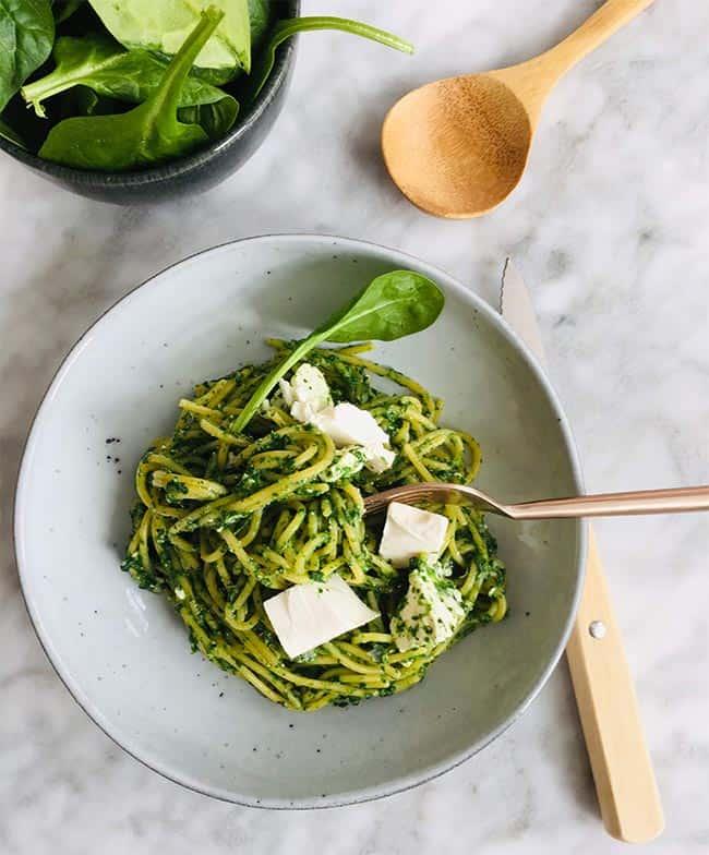 Spaghetti met spinazie en feta simpel recept