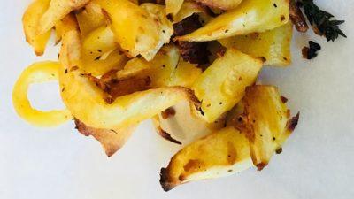 Pastinaak frietjes uit de oven met verse tijm