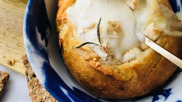 Kaasfondue voor twee met knoflook