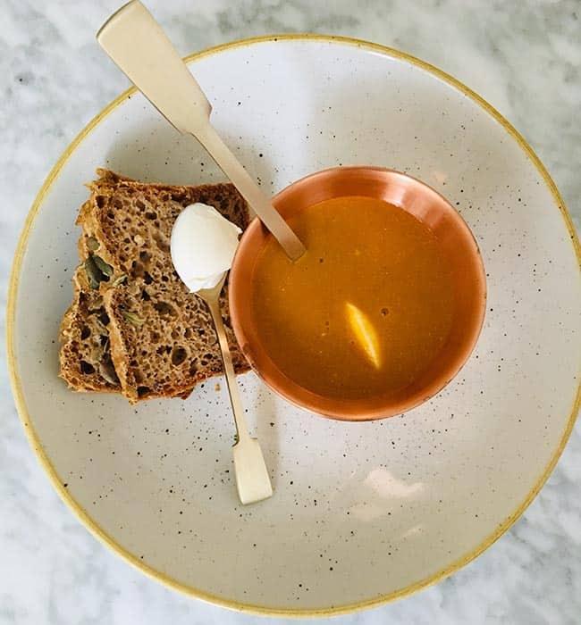 Linzensoep met bulgur en Griekse yoghurt recept