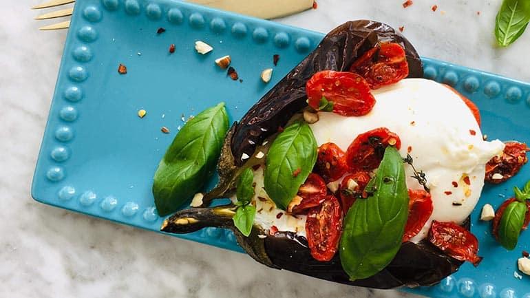 Gepofte aubergine burrata en geroosterde tomaat