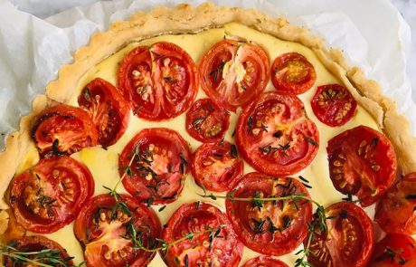 Geroosterde tomatentaart met tijm