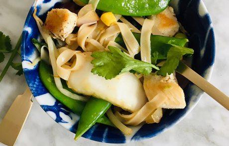 Noedels met kip en oosterse groenten