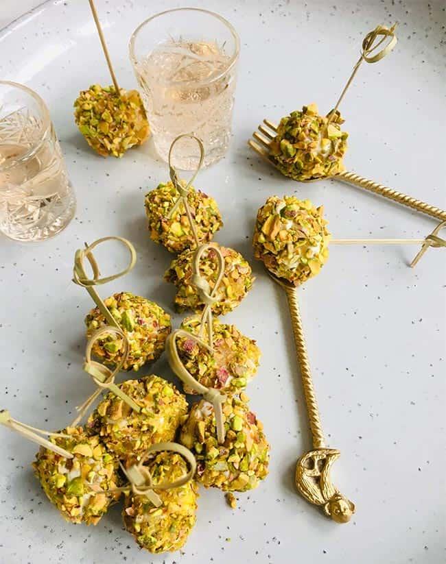 Truffels van romige kaas en pistache recept