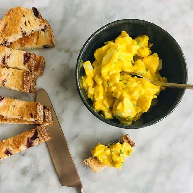 Eiersalade maken met yoghurt simpel recept