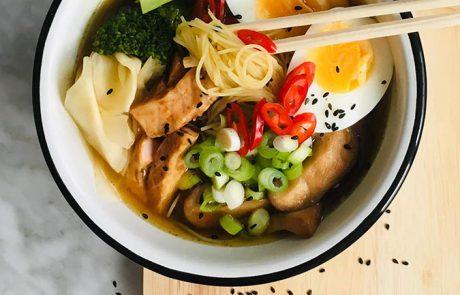 Snelle ramen soep met zalm recept