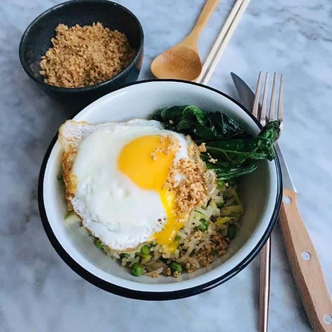 Gebakken rijst met cashew en paksoi simpel recept