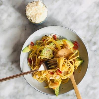 Spaghetti aglio olio rode peper simpel recept
