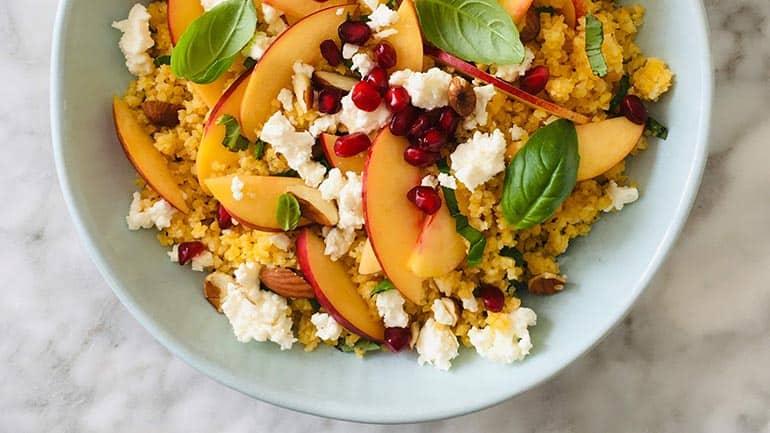 Couscous met nectarine en amandelen recept