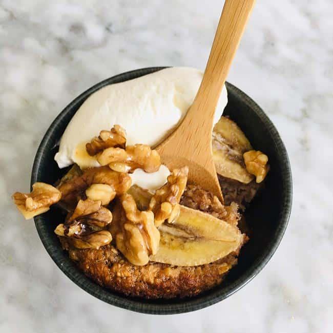 Mug cake banaan walnoten recept