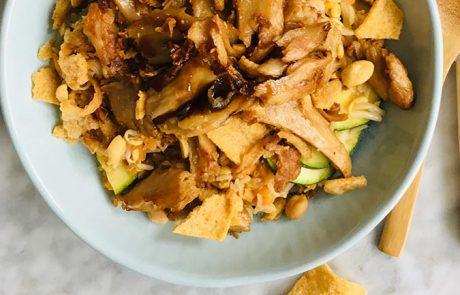 Rijst met pindadressing tauge en vega kip recept