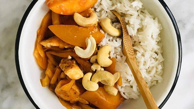 Rijst met kip perzik en cashewnoten
