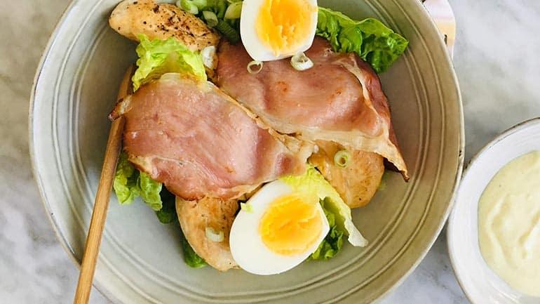 Caesar salade met kip en bacon recept
