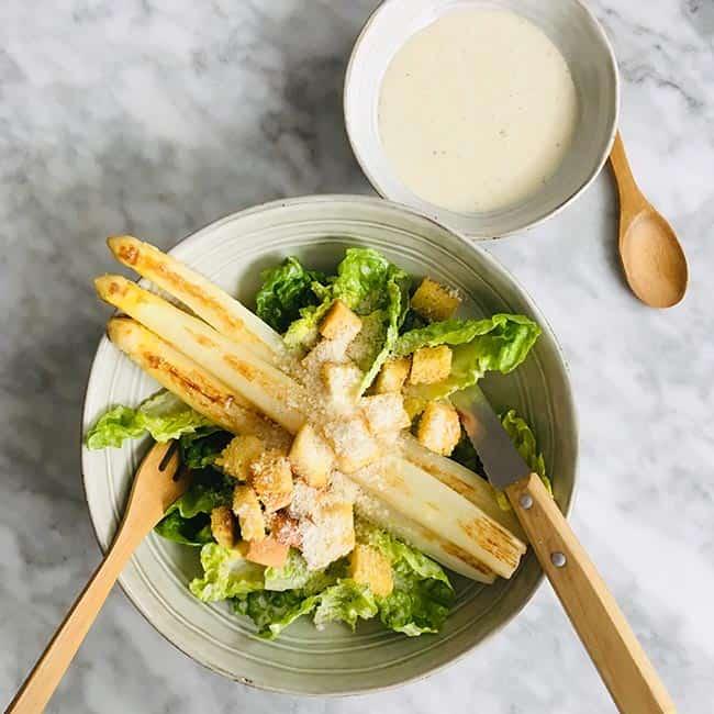 Caesarsalade met asperges simpel recept