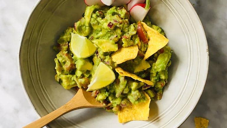 Doperwten guacamole recept