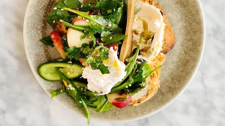 Gekneusde komkommer salade recept