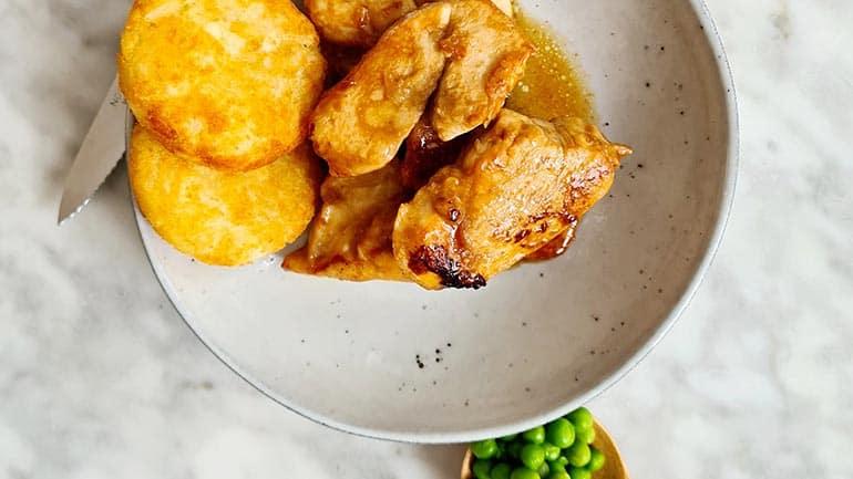 Gemarineerde kip met rösti rondjes