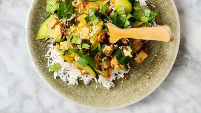 Rijst met tofu ananas en zoete chilisaus recept