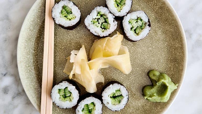Sushi met komkommer recept