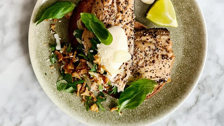 Toast met makreel en citroenmayo