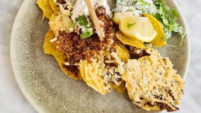 Nachos met kaas en koriander