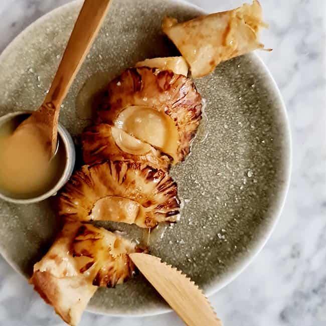 Pannenkoek met gegrilde ananas