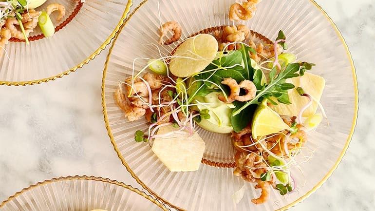 Avocadomousse met garnalen recept