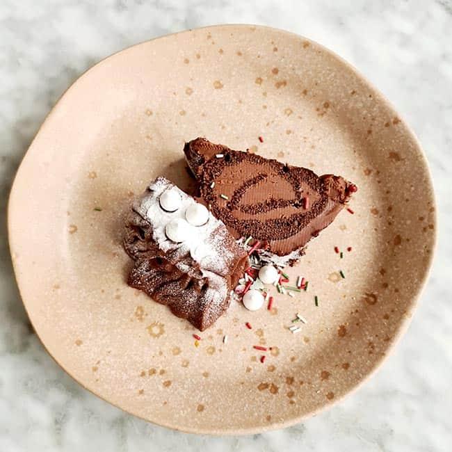 Chocolade boomstam dessert eten