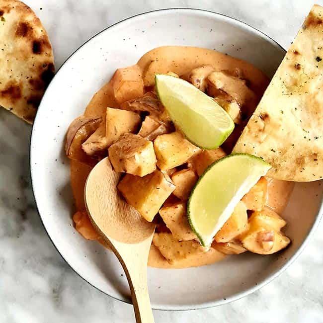 Zoete aardappel curry maken
