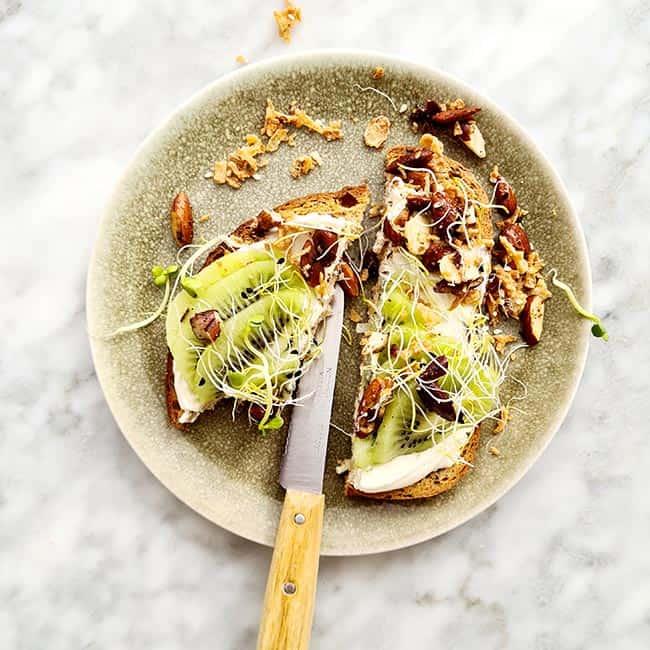 Zespri kiwi op toast eten