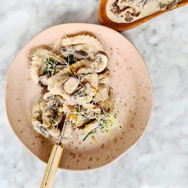pasta en vegan champignonroomsaus maken