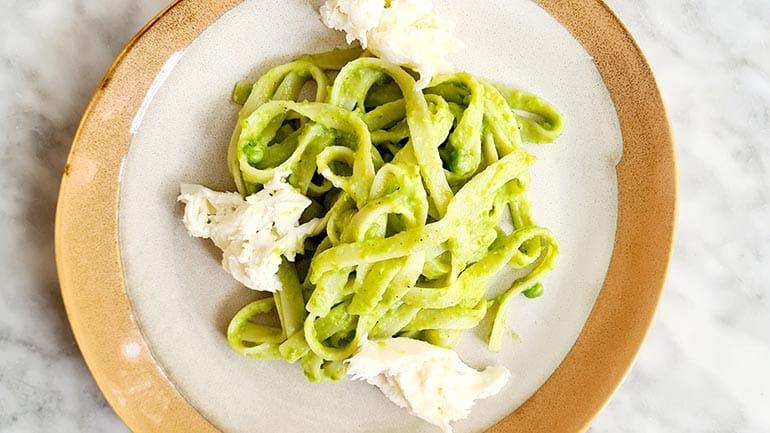 Tagliatelle met parmaham en groene saus